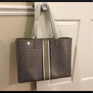 New Tory Burch Gemini Link Tote in French Gray